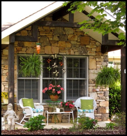 Pretty porch to share a cup of coffe with a neighbor